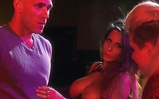 Christy Mack, Johnny Sins and Madison Ivy get wet